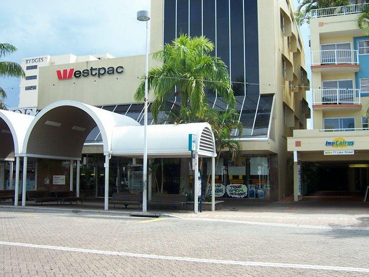 2A/67 Lake Street, Cairns City, QLD