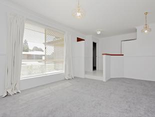 5 x 2 with loads of living space, potential retain & build subdivision - Morley