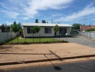 Fully Furnished house! - Parkes
