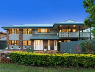 MAGNIFICENT, BIG RENOVATED FAMILY HOME 4 BED, 2 BATH - Eight Mile Plains