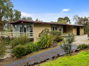 Acreage with views - Lilydale