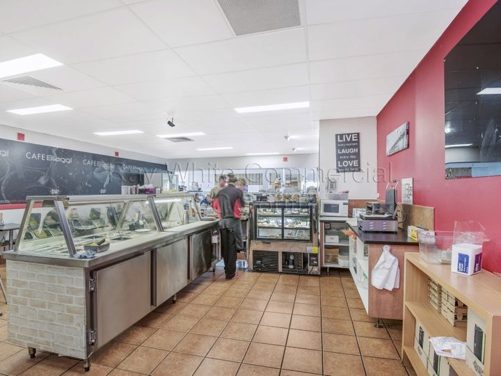 7/7 'Cafe Biaggi' Treetops Plaza, Classic Way, Burleigh Waters, QLD