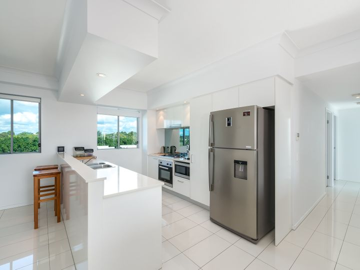 302/3 Compass Drive, Biggera Waters, QLD