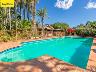 FUTURE SUBDIVISION POTENTIAL - BEAUTIFUL HOME SET ON 16.38 ACRES - Upper Caboolture