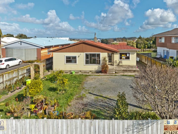 952 East Coast Road, Northcross, North Shore City