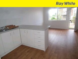 Cute 2 Bedroom Brick Unit - Maryborough