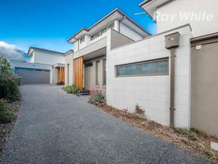 STUNNING TOWNHOUSE, QUALITY LIVING! - Doncaster