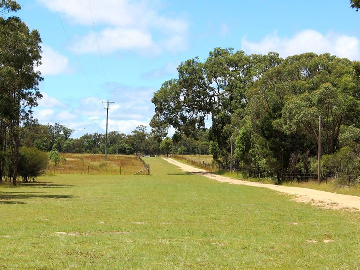 22458 New England Highway, Dalveen, QLD