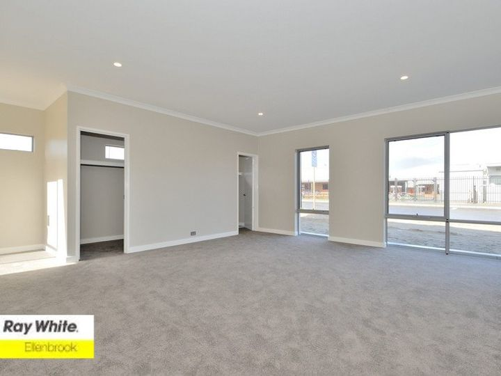 6 Chandala Turn, Ellenbrook, WA