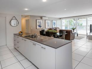 HIGHLY MOTIVATED SELLER! - Ground Floor Resort Style Luxury Living 2 Bedroom + Study Apartment - Hope Island