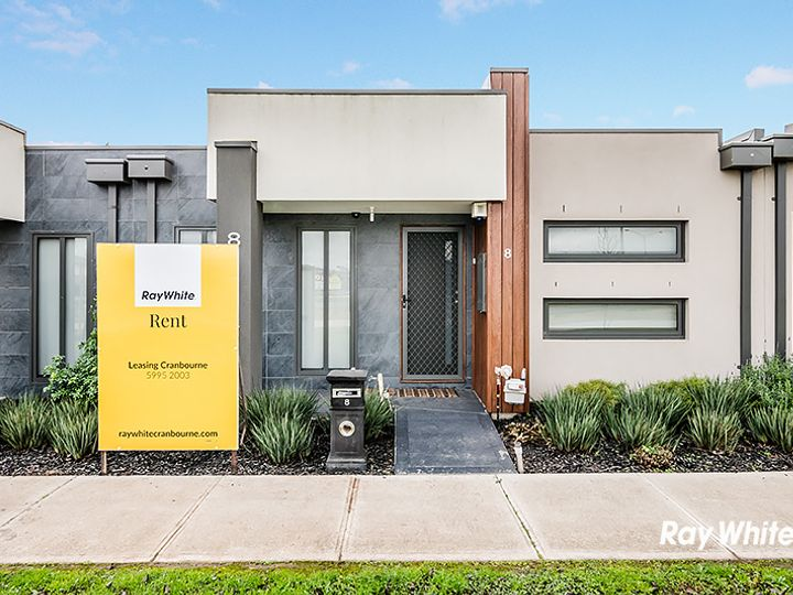 8 Kavanagh Lane, Clyde North, VIC