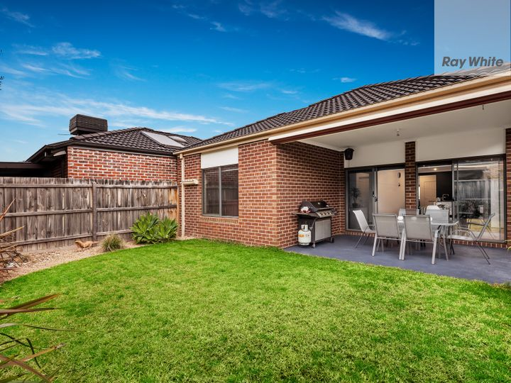 19 Leonie Close, South Morang, VIC