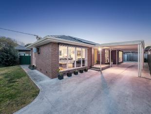 MAGNIFICENT FAMILY HOME! - Epping