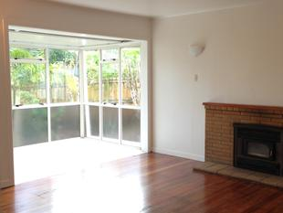 4 bedroom home situated on the Peninsula! - Te Atatu Peninsula