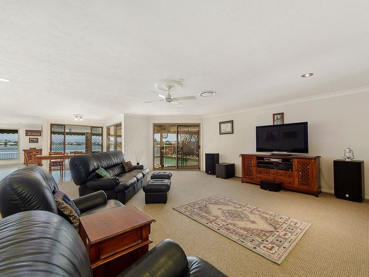 35 Pintail Crescent, Burleigh Waters, QLD