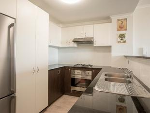Spacious Two Bedroom, Two Bathroom Apartment - Alexandria