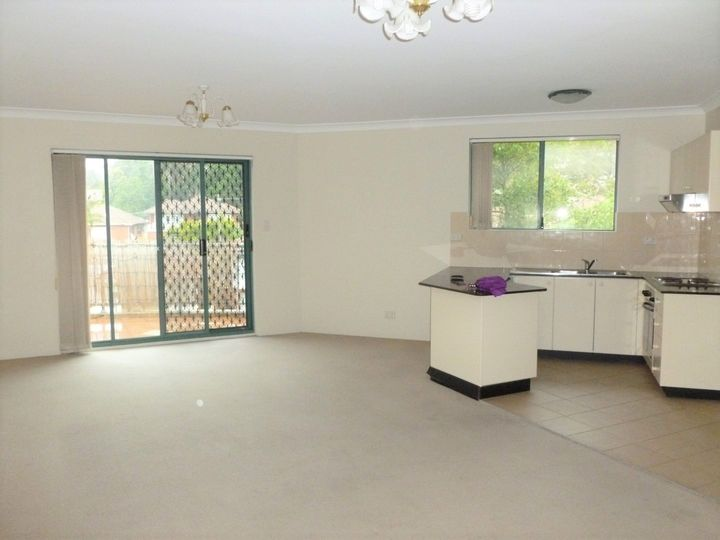 22/ 22-24 Sarsfield Circuit,, Bexley North, NSW