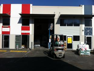 90m2* Warehouse / Office with Secure Yard - Tingalpa
