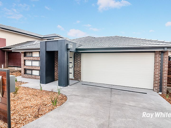 13 Shanahans Drive, Cranbourne North, VIC
