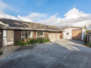 Fabulous One Level Brick and Tile - Papatoetoe