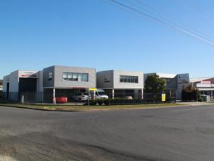 CORNER EXPOSURE / FACTORY WAREHOUSE - Tamworth