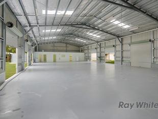 Business opportunities on 4.6 acres with 3 big sheds - Capalaba