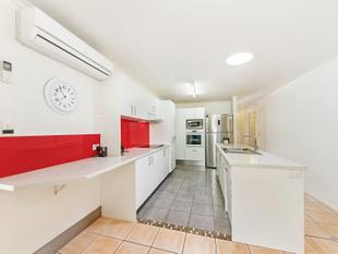 UNDER INSTRUCTIONS TO SELL THE FAMILY HOME IN BOONOOROO PARK - Carrara