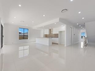 Brand New Luxurious 5 Bedroom Home - Campbelltown