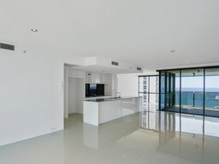 This Circle On Cavill apartment without the price tag must and will be sold - Surfers Paradise