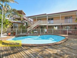 SUPER - SIZED SEASIDE SANCTUARY PLUS MODERN DETACHED GRANNY FLAT!! - Victoria Point