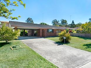 Recently Renovated! - Carindale