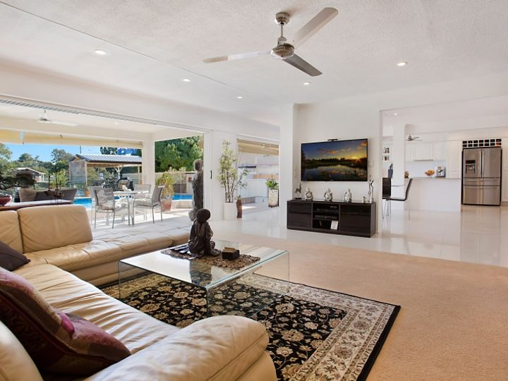 5 Fiesta Avenue, Isle Of Capri, QLD