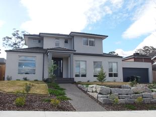 LUXURY, SPACE AND SOPHISTICATED LIFESTYLE !! - Donvale
