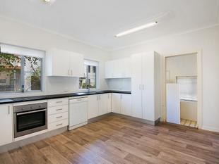 ART DECO HOUSE IN THE HEART OF CLAYFIELD - Clayfield
