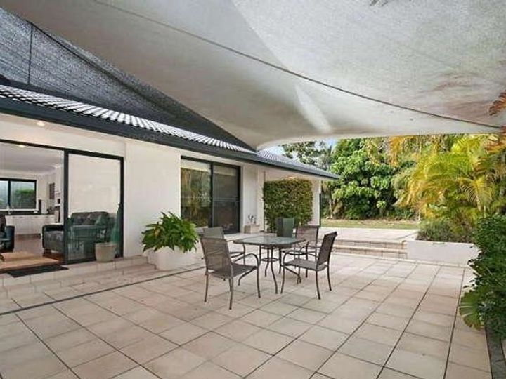 20 Lothian Avenue, Bundall, QLD