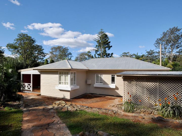 21 Main Street, Tamborine Mountain, QLD