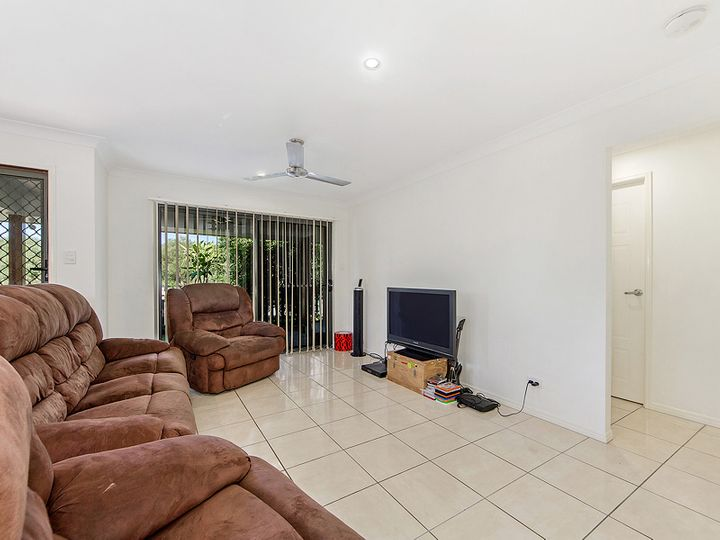 17 Damian Leeding Way, Upper Coomera, QLD