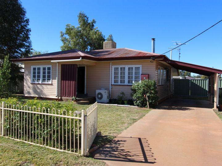 33 Walter Street, Charleville, QLD