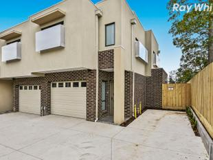 Convenience at the door of your Brand NEW Townhouse - Rowville
