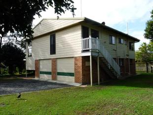 Plenty of living & Detached Shed - Redland Bay