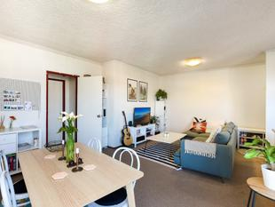 Two Bedroom, Unfurnished Apartment with Garage - Queenscliff