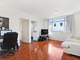 Light filled 1 bedroom apartment - Open for Inspection 1030am -1045am Saturday 23 September - Glebe