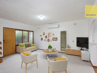 Solid brick, small group, minutes to the CBD - Forestville