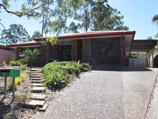 Renovated Family Home - Mansfield State High Catchment - Convenience - Wishart