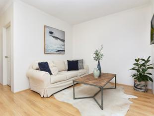 Renovated Parkside Apartment - Rosebery