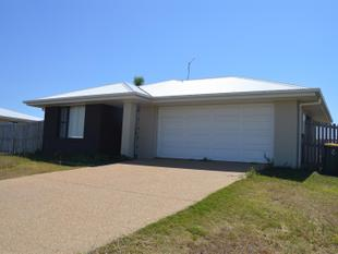 Good Sized Yard ~ Air Conditioned Main Bedroom & Living - Gracemere
