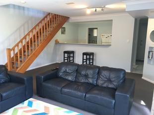 Partly Furnished 3 Bedroom Unit - Mudgeeraba