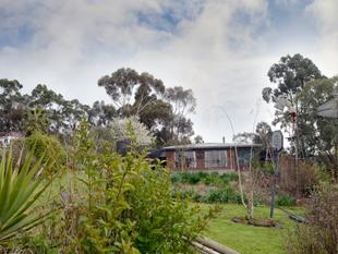 Room to move in town limits - Casterton