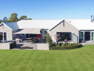 Stunning Family Entertainer - Rolleston