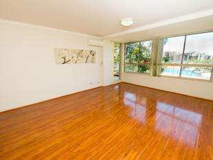 Stunning Timber Flooring Feature Apartment - Homebush